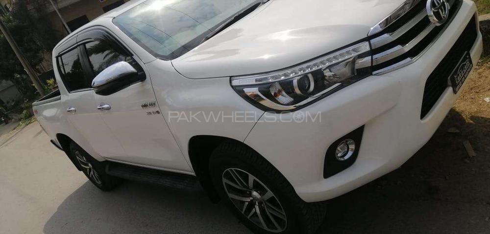 Toyota Hilux Revo V Automatic 3.0  2019 Image-1
