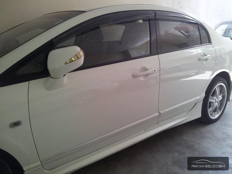 Honda Civic VTi 1.8 i-VTEC 2010 Image-5