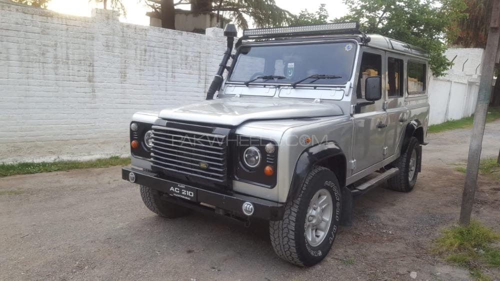 Land Rover Defender 2006 Image-1
