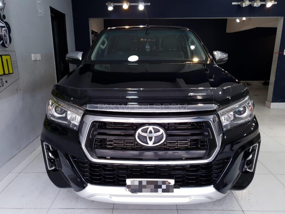 Toyota Hilux 4x4 Double Cab Standard 2018 Image-1