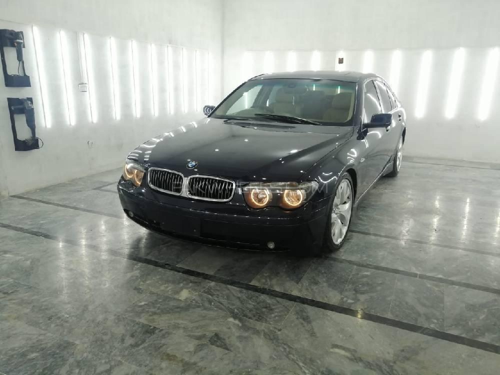 BMW 7 Series 745i 2002 Image-1