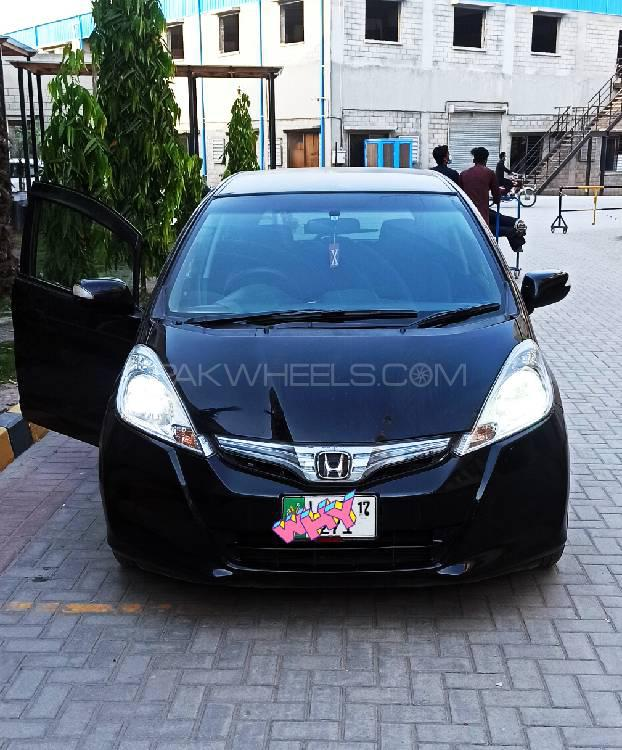 Honda Fit 1.3 Hybrid 10th Anniversary 2013 Image-1