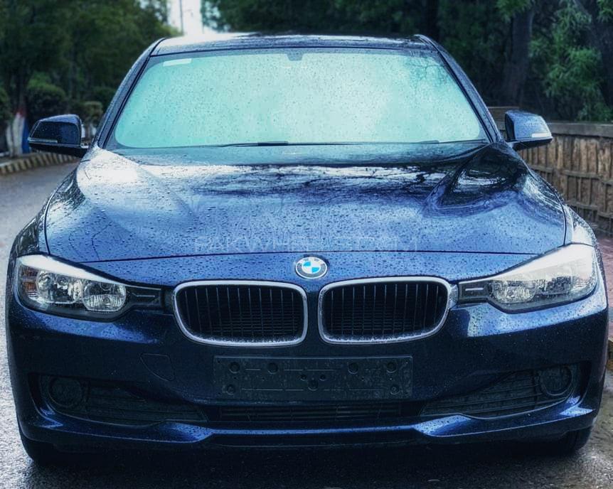 BMW 3 Series 316i 2014 Image-1