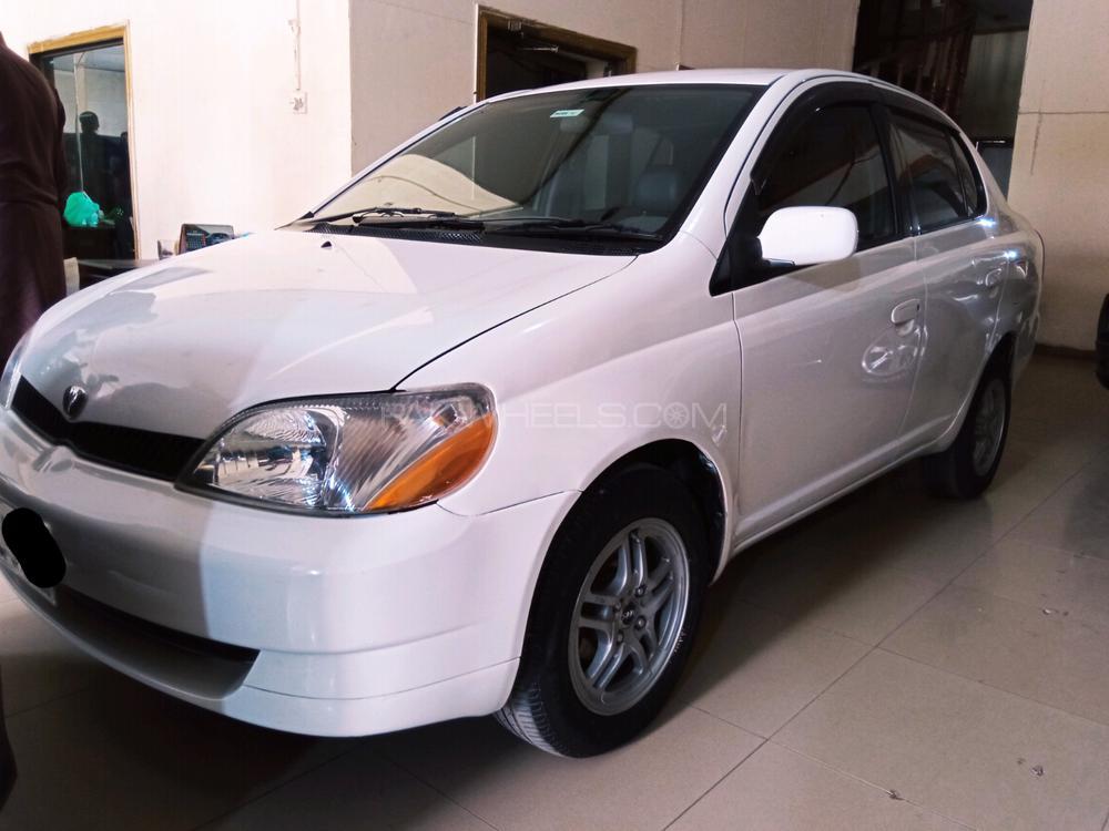 Toyota Platz F 1.0 2002 Image-1