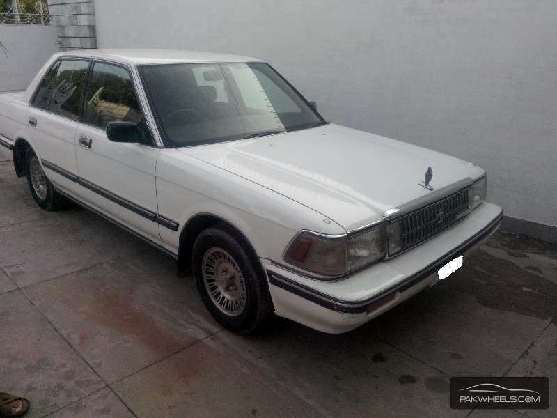 Toyota Crown Royal Saloon 1988 Image-2