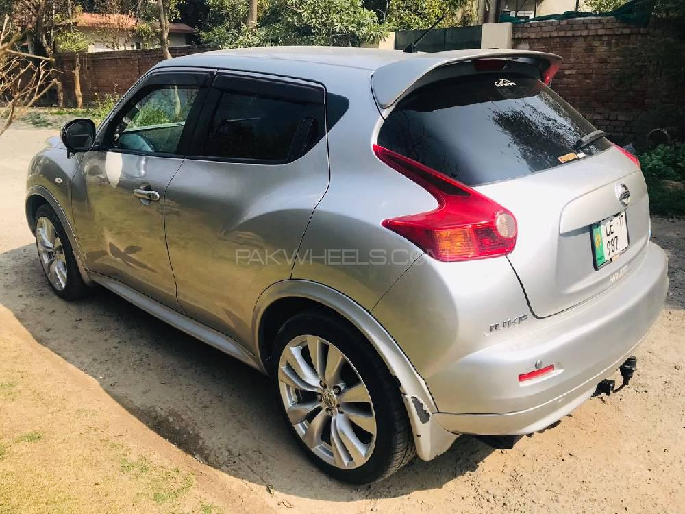 Nissan Juke 15RX Premium Personalize Package 2011 Image-1