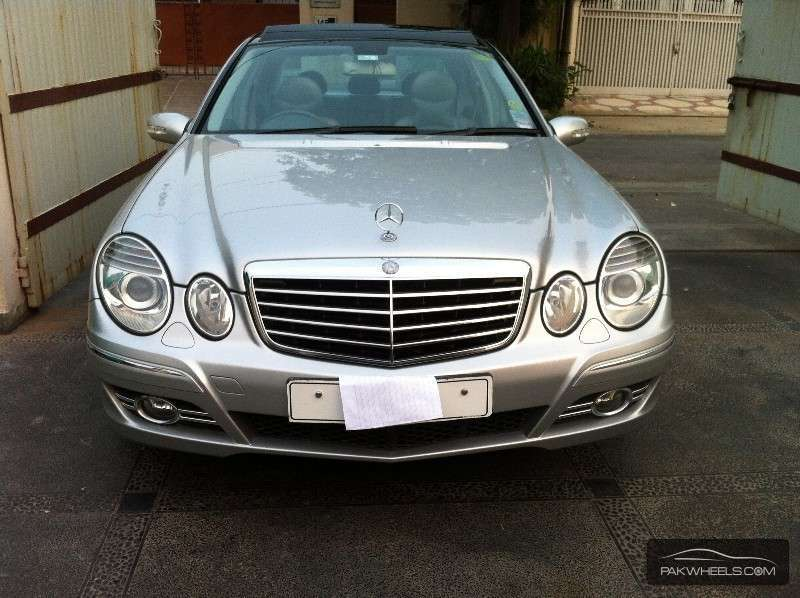 used mercedes benz e class e 320 2003 car for sale in lahore 921477 pakwheels. Black Bedroom Furniture Sets. Home Design Ideas