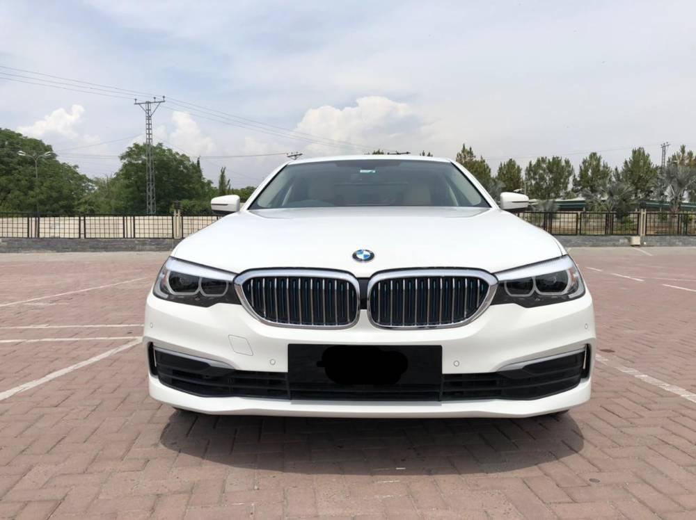 BMW 5 Series 530e 2019 Image-1