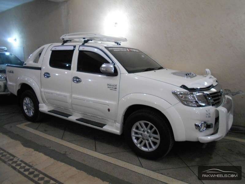 toyota hilux vigo champ g 2011 for sale in lahore pakwheels