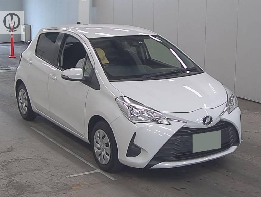 Toyota Vitz F 1.0 2019 Image-1