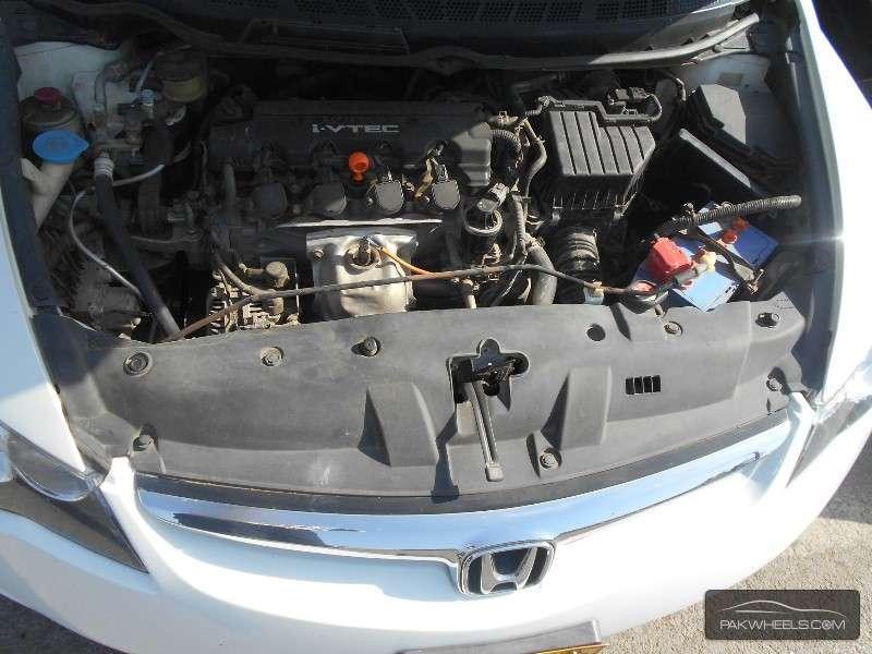 Honda Civic VTi Oriel Prosmatec 1.8 i-VTEC 2011 Image-8