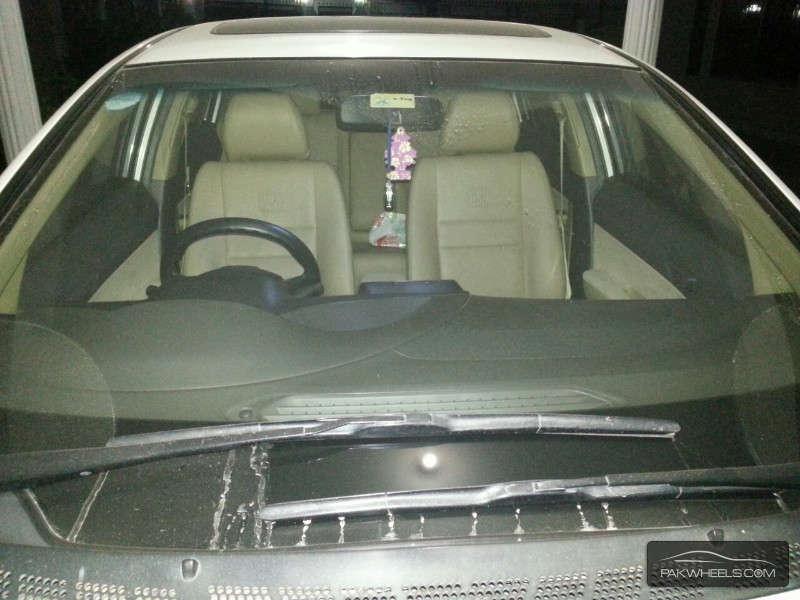 Honda Civic VTi Oriel 1.8 i-VTEC 2011 Image-6