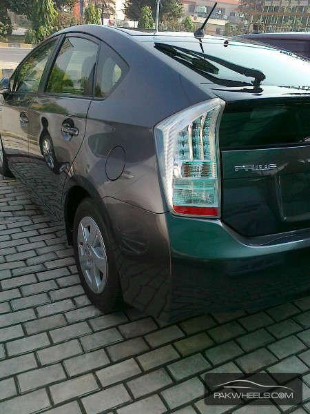Toyota Prius S LED Edition 1.8 2011 Image-7