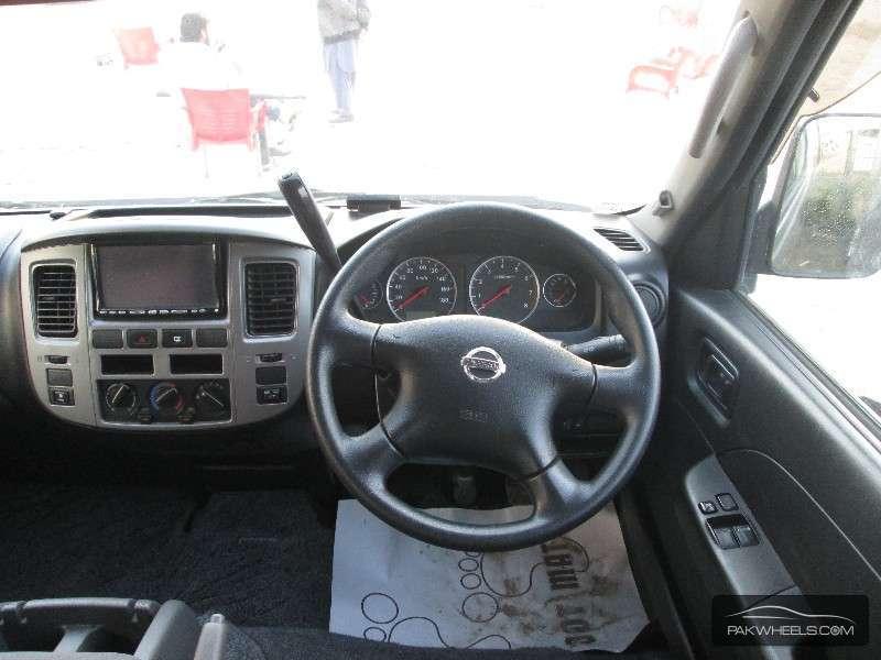 Nissan Caravan 2009 Image-5