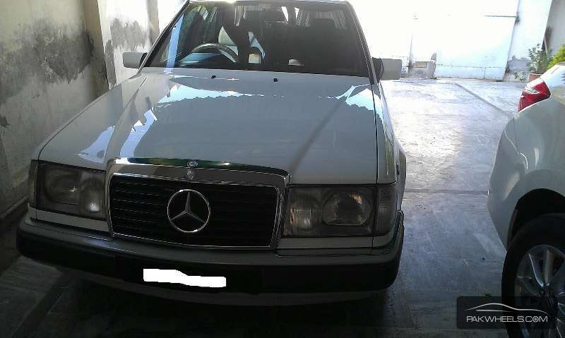 Used mercedes benz e series 1993 car for sale in peshawar for Mercedes benz e series for sale