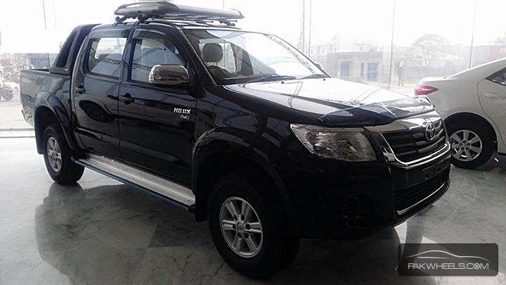 Used Toyota Hilux Vigo Champ Grade G 2014 Car for sale in Lahore - 1034212 | PakWheels