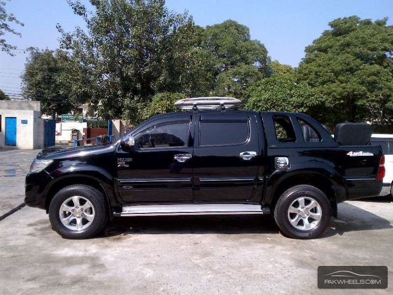 Toyota Land Cruiser 2017 For Sale In Karachi 2040367 furthermore Cross Rc Kc6 6x6 Off Road Military Truck as well 2003 2009 additionally 2012 Toyota Yaris Fighting In A Cut Throat Segment also Hmn feature2. on toyota radio parts