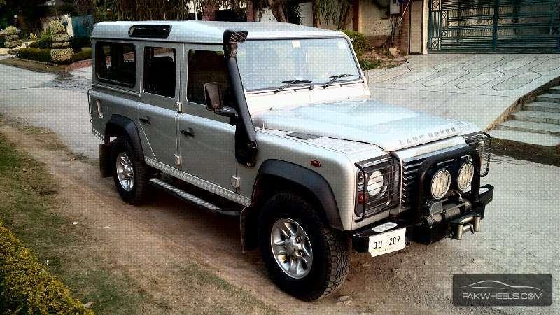 land rover defender 110 sw 2010 for sale in islamabad pakwheels. Black Bedroom Furniture Sets. Home Design Ideas