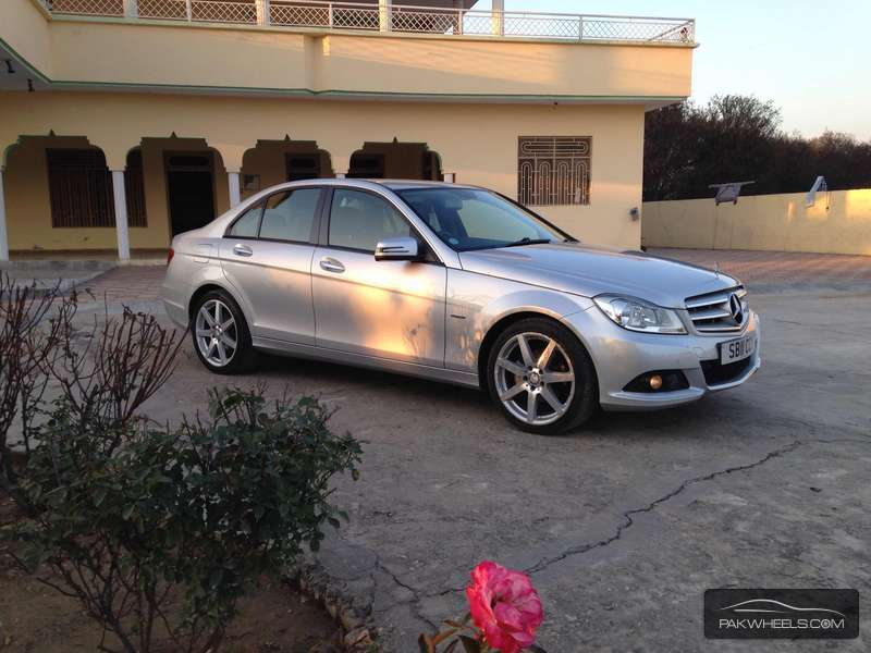 Mercedes benz c class c180 kompressor 2011 for sale in for Mercedes benz house of imports service