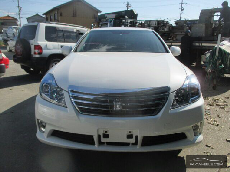 2011 toyota crown hybrid - photo #35