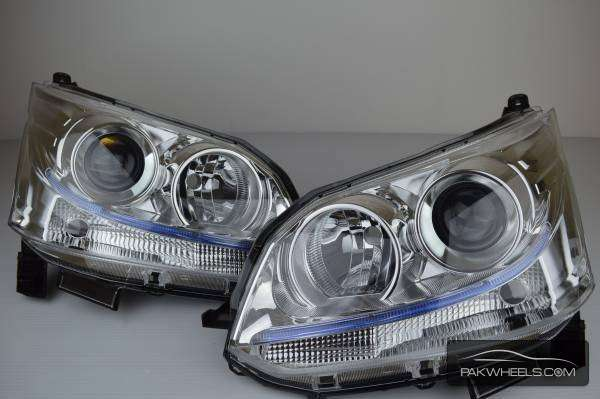 daihatsu move custom 2012 head light pair For Sale Image-1