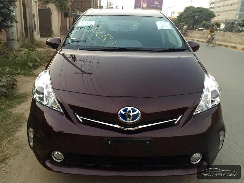 Toyota Prius Alpha 2014 For Sale In Lahore Pakwheels