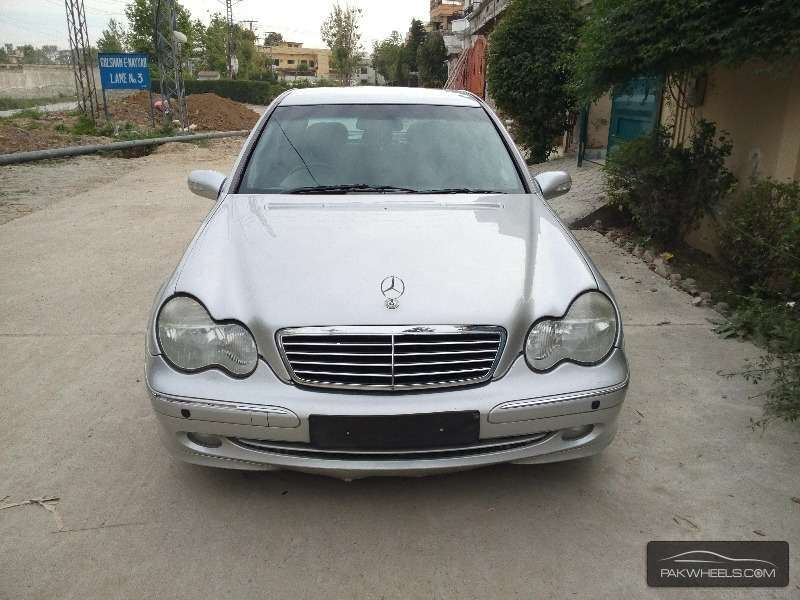 mercedes benz c class c200 2003 for sale in islamabad pakwheels. Black Bedroom Furniture Sets. Home Design Ideas