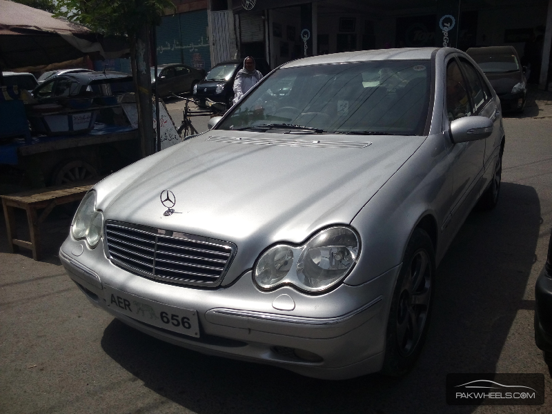 Used mercedes benz e class e 240 2000 car for sale in for 2000 mercedes benz e class e320