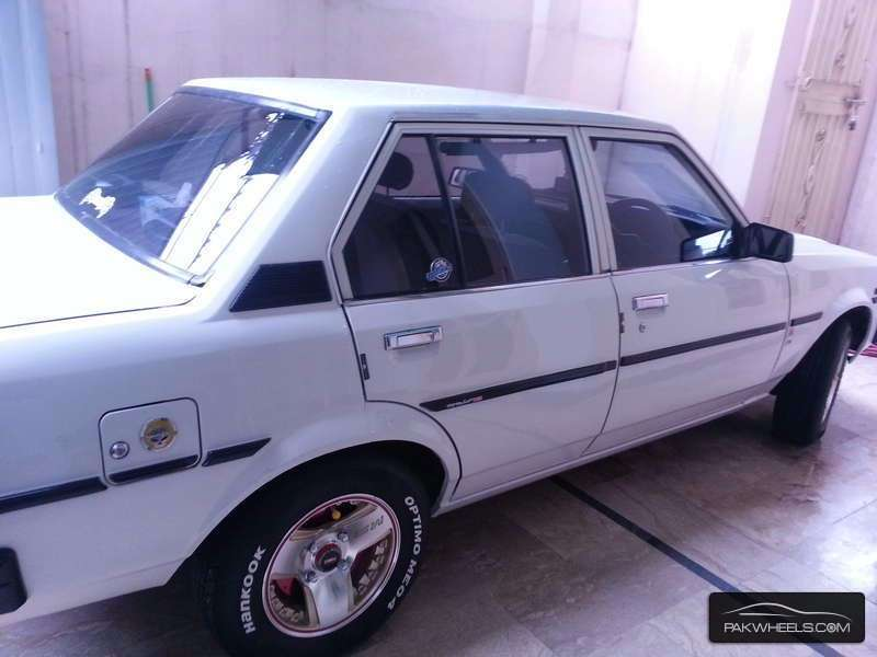 Toyota Corolla 1982 Image-2