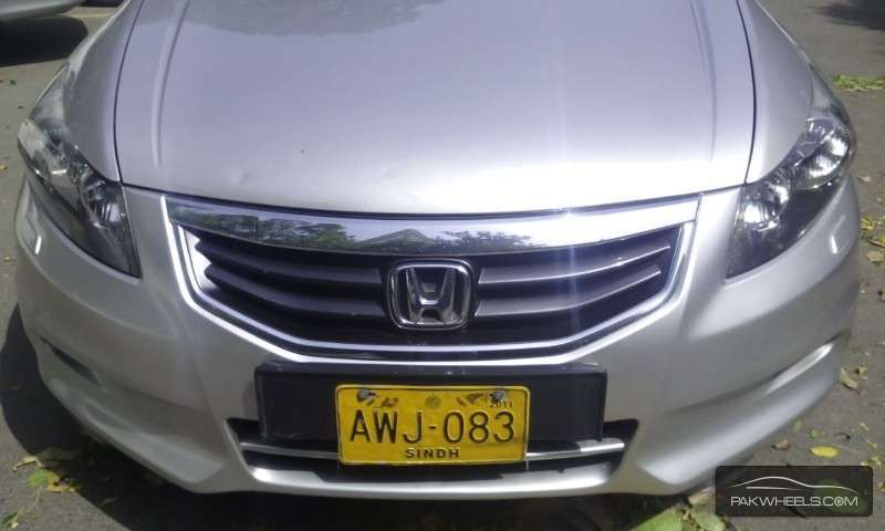 Honda Accord VTi 2.4 2011 Image-8