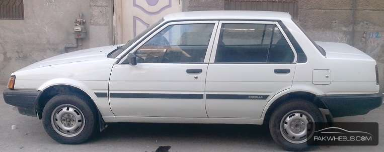 toyota corolla 1983 for sale in lahore pakwheels. Black Bedroom Furniture Sets. Home Design Ideas