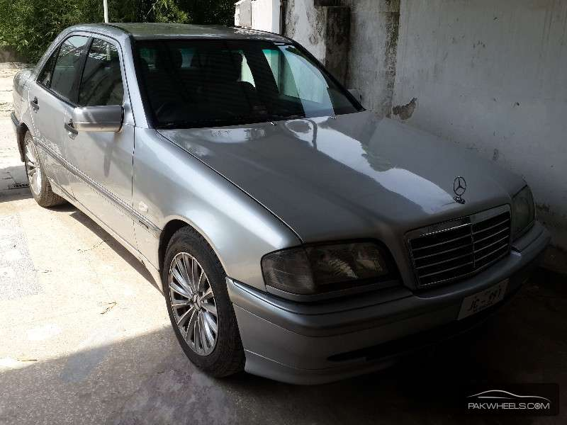 Used mercedes benz c class c180 1998 car for sale in for Used mercedes benz rims for sale