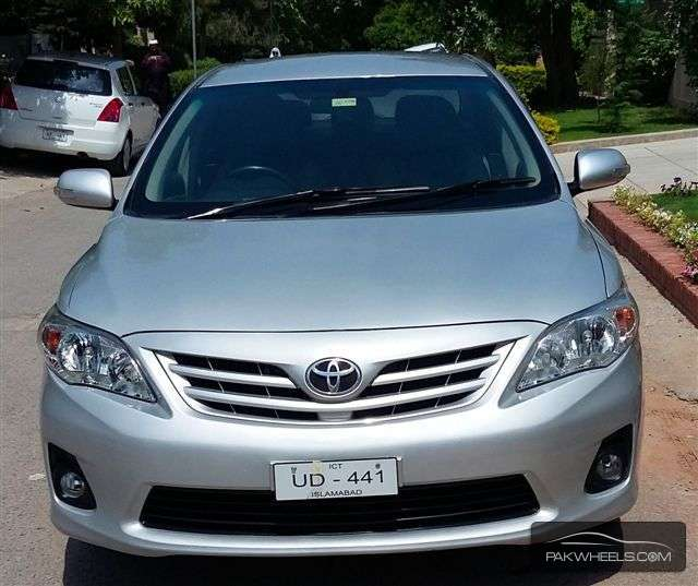 used toyota corolla altis 1 6 cruisetronic 2011 car for sale in islamabad 1146926 pakwheels. Black Bedroom Furniture Sets. Home Design Ideas