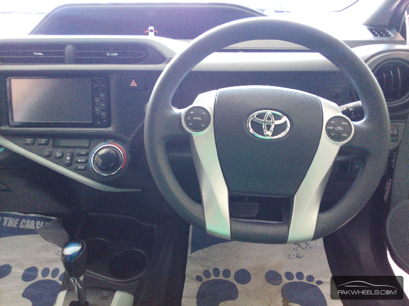 Toyota Aqua S 2012 Image-7