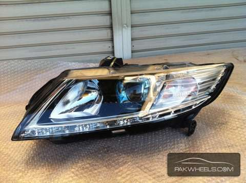 honda crz left head light For Sale Image-1