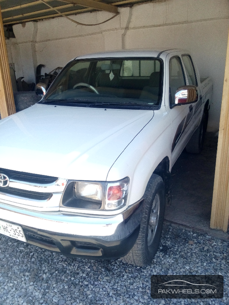 Toyota Hilux 4x4 Double Cab Standard 1999 Image-2