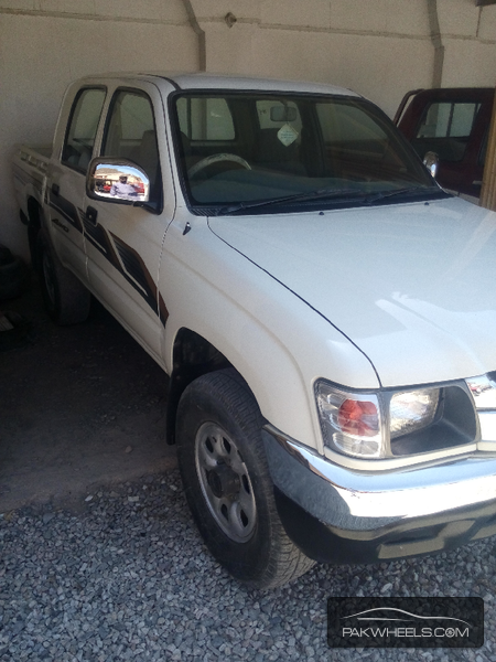 Toyota Hilux 4x4 Double Cab Standard 1999 Image-3