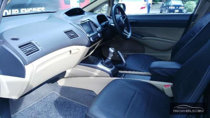 Honda Civic VTi 1.8 i-VTEC 2012 Image-2