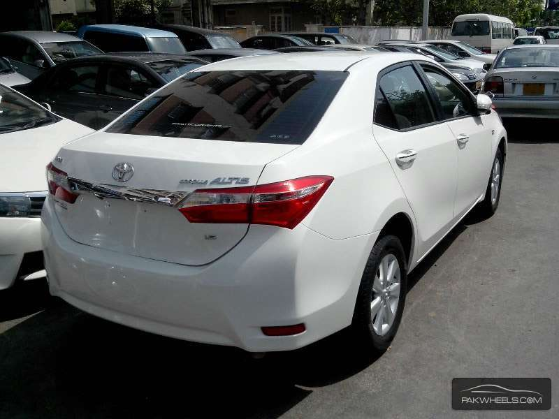 toyota corolla altis 1 6 2015 for sale in karachi pakwheels. Black Bedroom Furniture Sets. Home Design Ideas