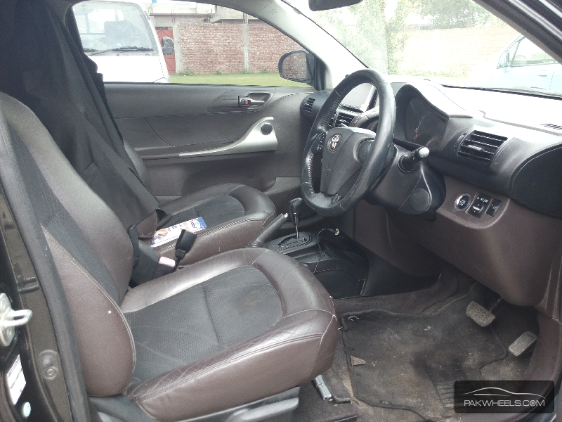 Toyota iQ 2009 Image-8
