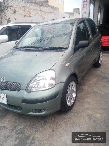 Toyota Yaris 2003 Image-2
