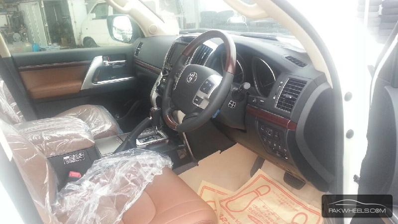 Toyota Land Cruiser ZX 2015 Image-8