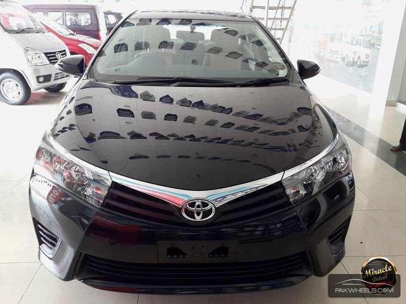 Toyota Corolla XLi 2015 Image-1