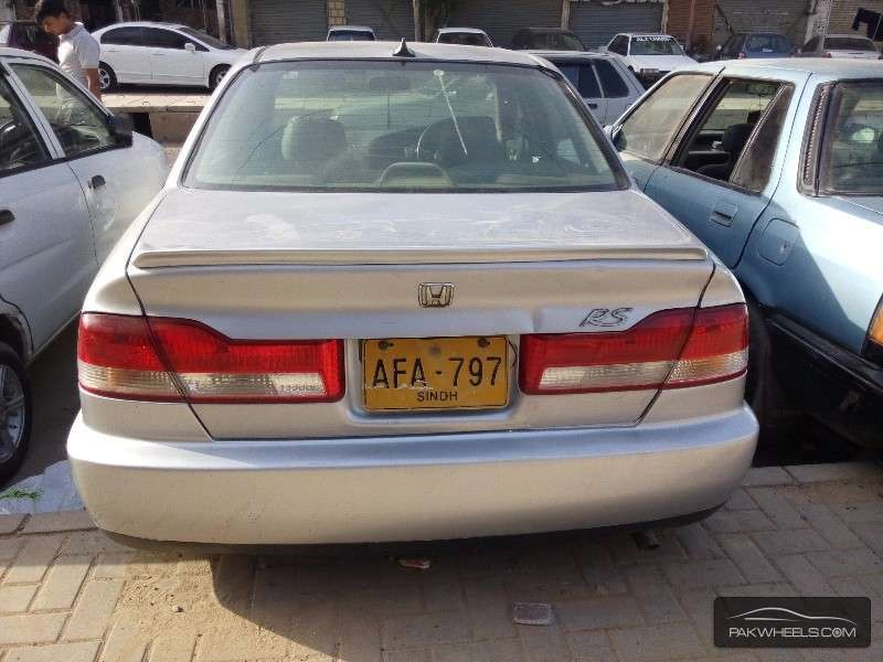 Honda Accord 2002 Image-6