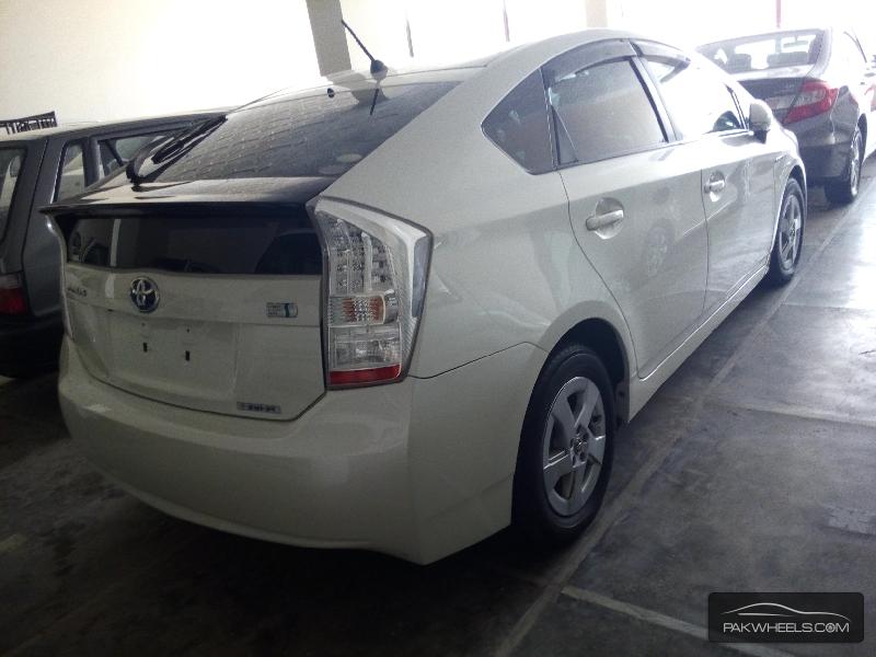 Toyota Prius G 1.5 2010 Image-4