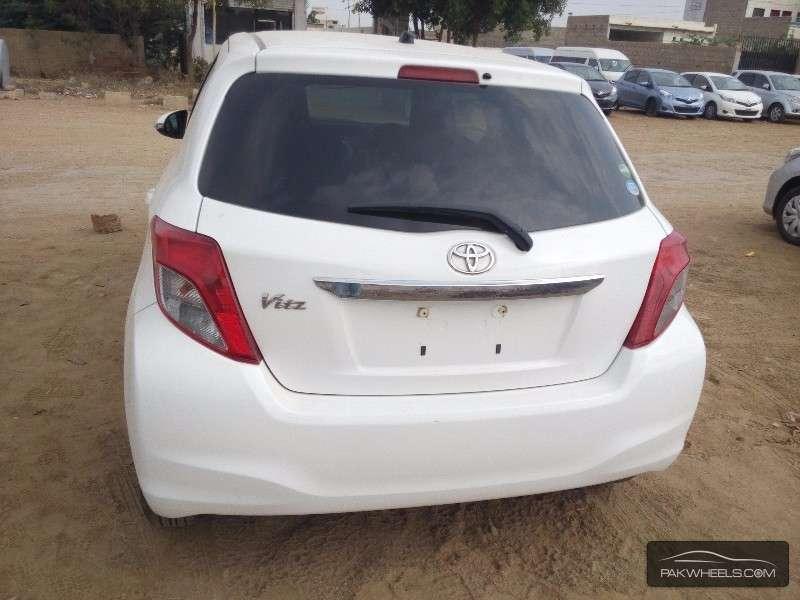 Toyota Vitz 2012 Image-8