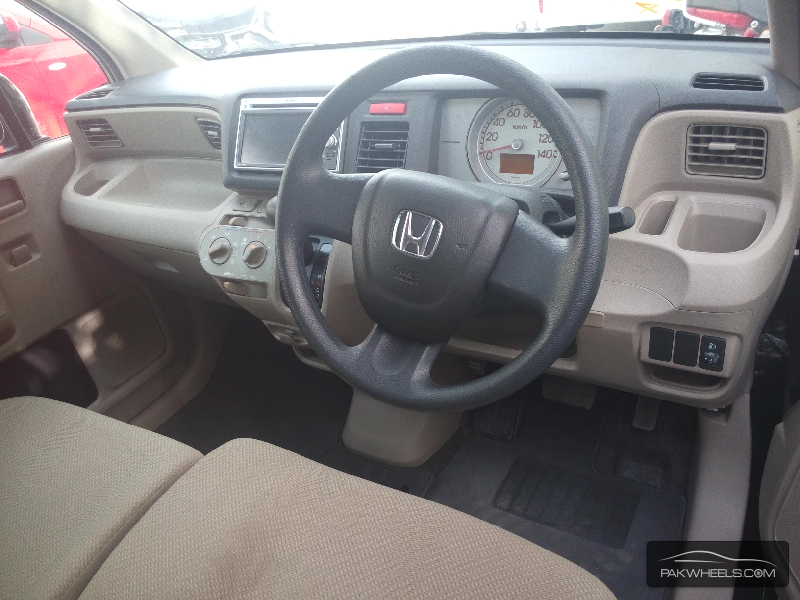Honda Life 2012 Image-2