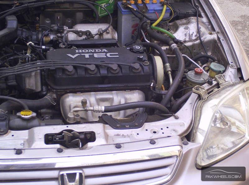 Honda Civic VTi Automatic 1.6 1999 Image-8