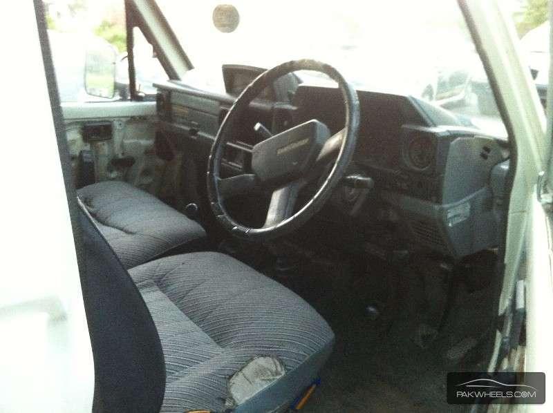 Toyota Land Cruiser 1987 Image-8