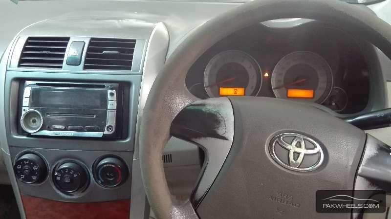 Toyota Corolla Altis 1.8 2010 Image-5